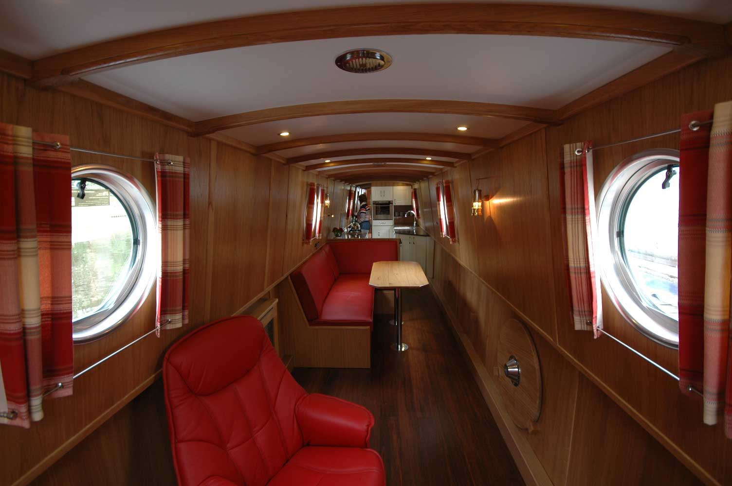 saloon-and-dinette