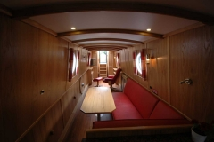 Dinette-double-bed-towards-stern