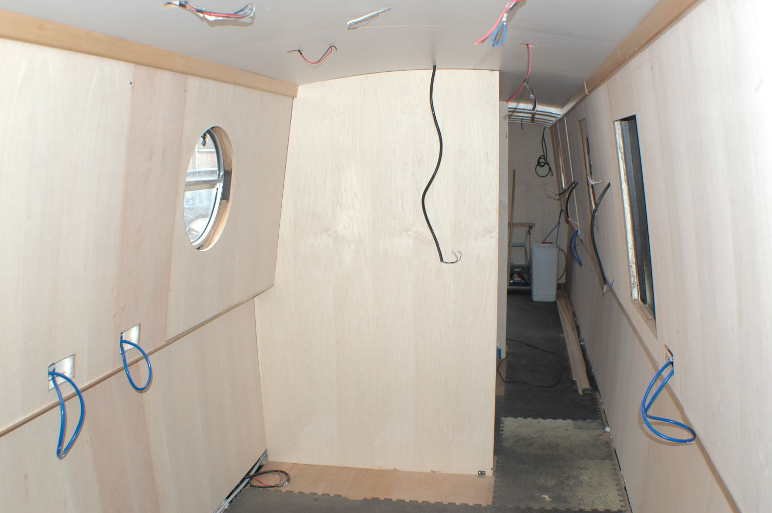 11 Bulkheads fitted (partitions)