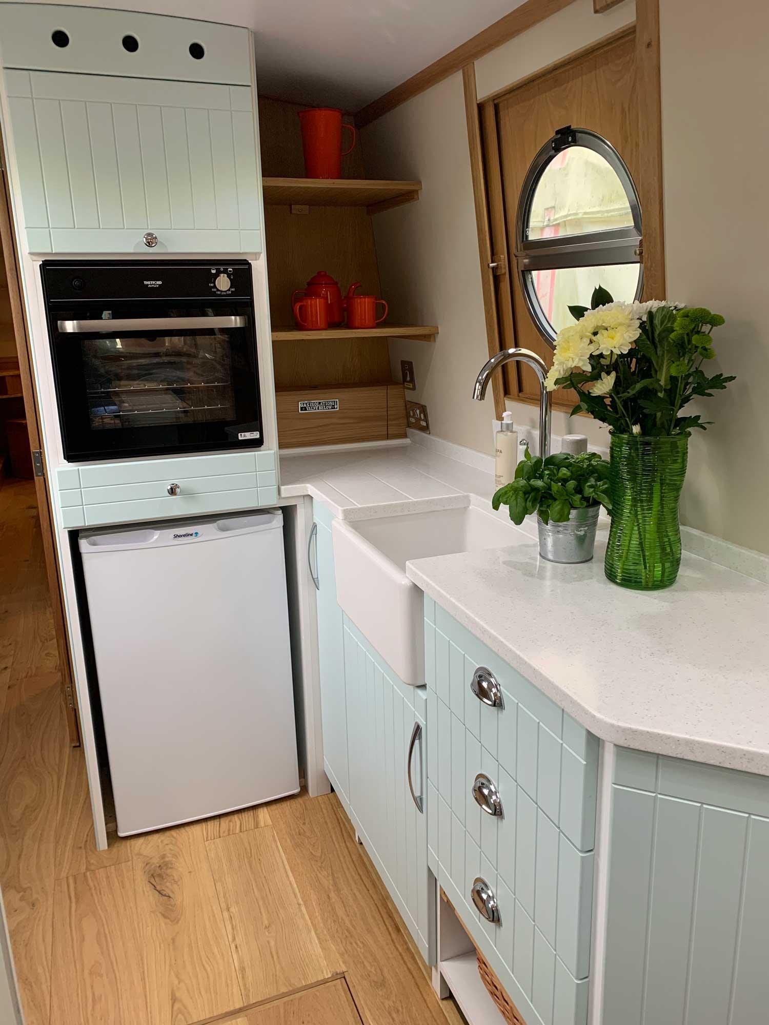 Kitchen-Oven-and-Fridge