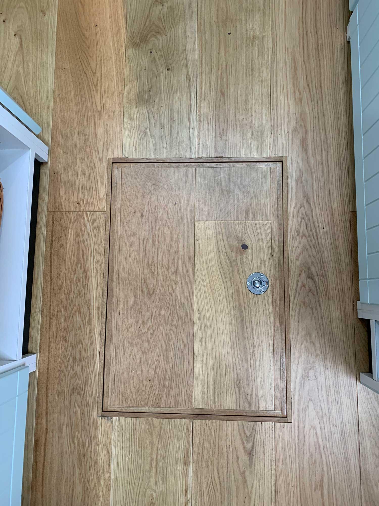 Underfloor-locker