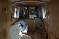 Dinette-and-double-guest-bed